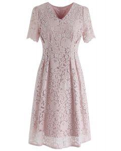 我的粉紅色蕾絲中長連衣裙